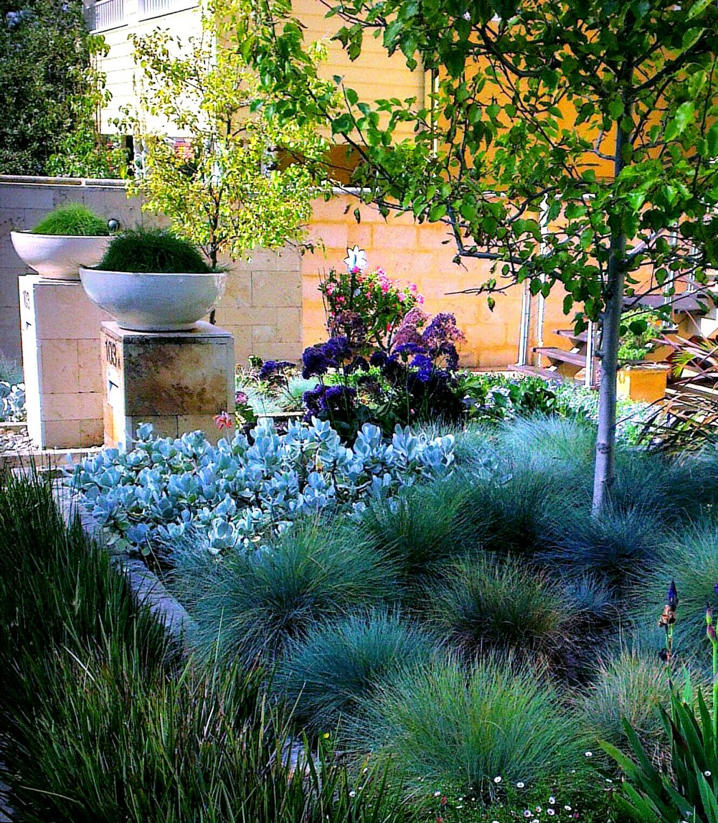 Landscape garden design front garden design for Garden design ideas by the sea