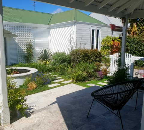 Contemporary perennial garden North Perth