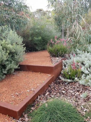 Gravel paths edge with corten