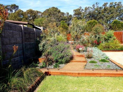 Predominately native garden Karijini theme