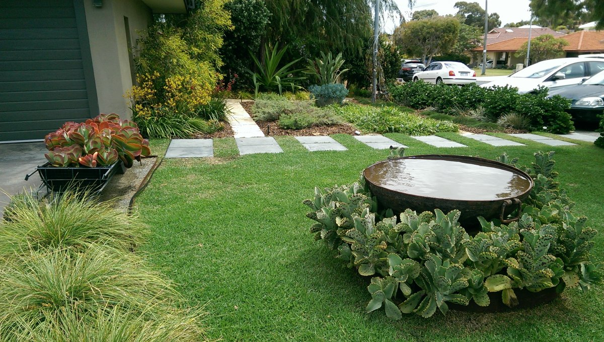 Landscape garden design front garden design for Yard plans landscaping